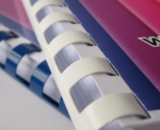 brochures anneaux plastiques 2