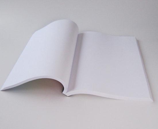 brochures dos collé ouvert