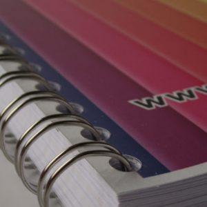 brochure met metaalringen 4