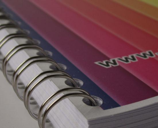 brochures spirales anneaux métalliques couverture plastique