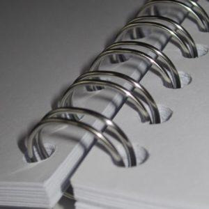 brochure met metaalringen 3